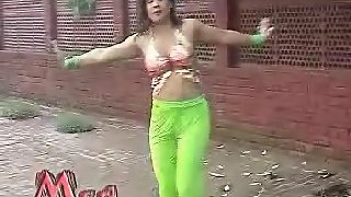 Sexy tawaif dancing in lounge