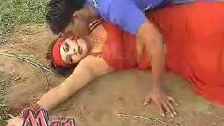 Mature tawaif enjoying with young man