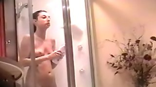 Punjabi bhabhi in shower leaked mms