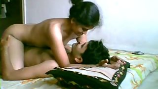newly married Indian couple honeymoon sex scandal video
